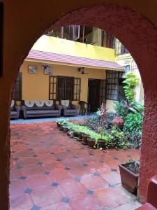 Kochi Chiramel courtyard (2)